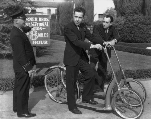 Humphrey Bogart et Allen Jenkins 1938.jpg