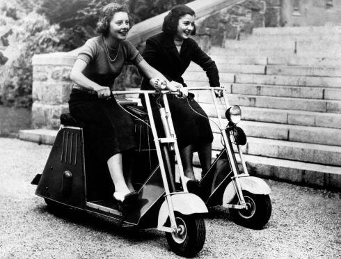 Lieu inconnu Mini Scooters 1937.jpg
