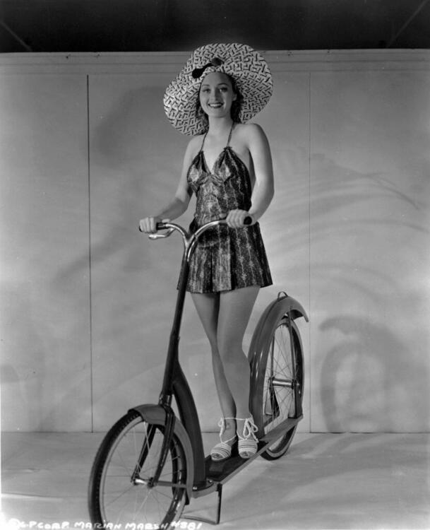 Marian Marsh 1934.jpg